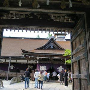 高野山の宿坊ガイド | 蓮華定院の歴史と魅力