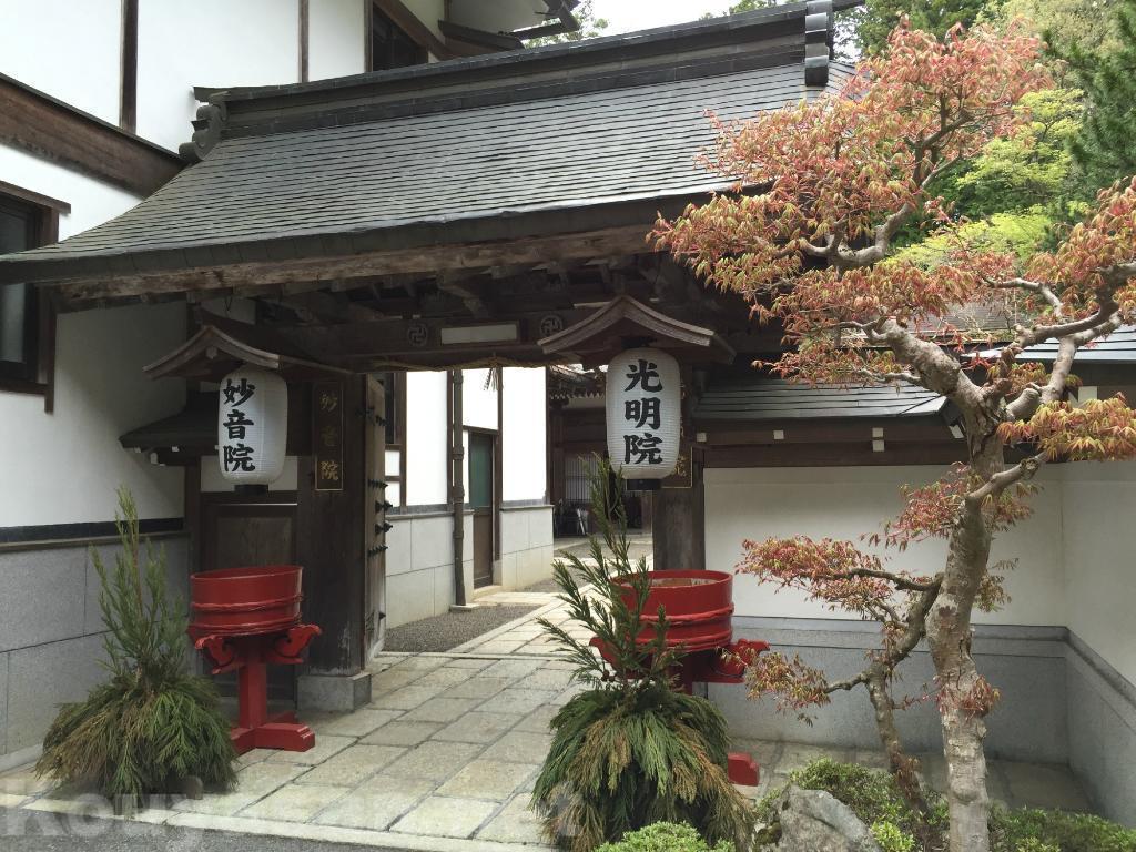 高野山の宿坊ガイド | 光明院の歴史と魅力